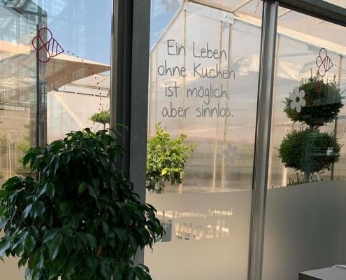 Fensterbeschriftung Familiengärtnerei Woelk